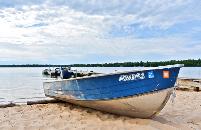 Welcome to our Muskallonge Lake Boat Rentals, brought to you by Deer Park Lodge Resort of Michigan's Upper Peninsula. Our rentals are affordable and fun for the UP.
